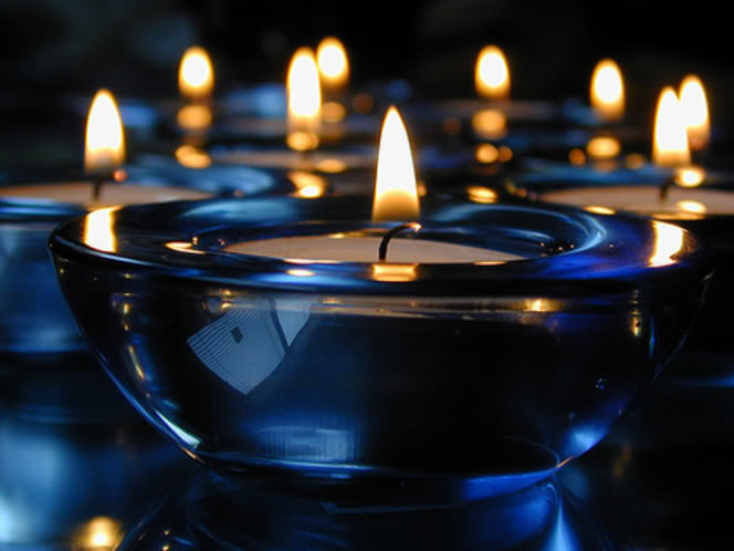 4a332-blue_candles_suncrest_45_at_flickr_